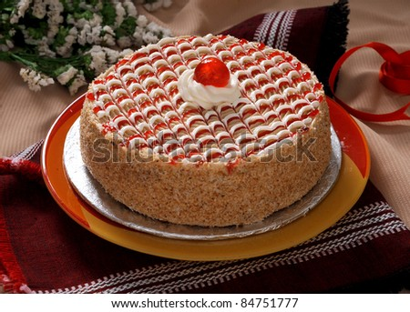 Ideal Strawberry Cake