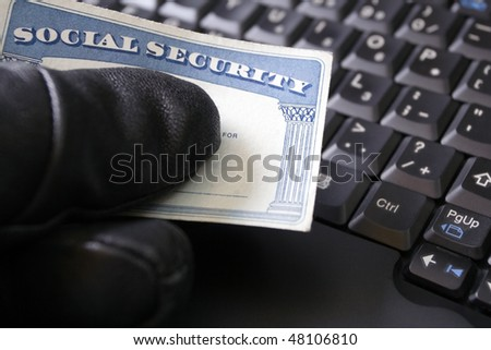 Identity theft and Social Security card, internet crime online