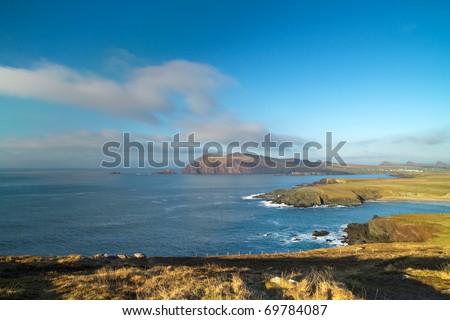 Idyllic irish coast at sunny weather