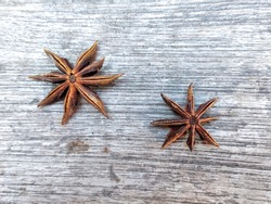Illicium verumis a spice commonly calledstaranise,star anise seed,Chinese star anise, orbadianthat closely resemblesanisein flavor is obtained from the star-shapedpericarpsof the fruit.