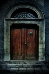 illustration of a dark haunted old mansion