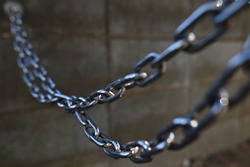 Image of a chain.