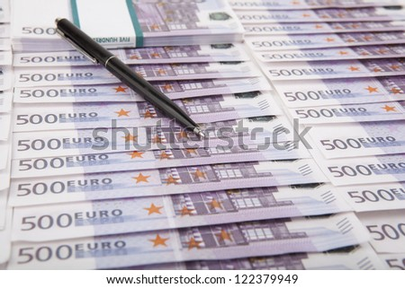 Image of a lots five hundred euro bills