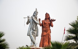 Image of a statue of lord Krishna and radha
