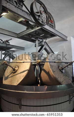 Image of a typical olive oil press.
