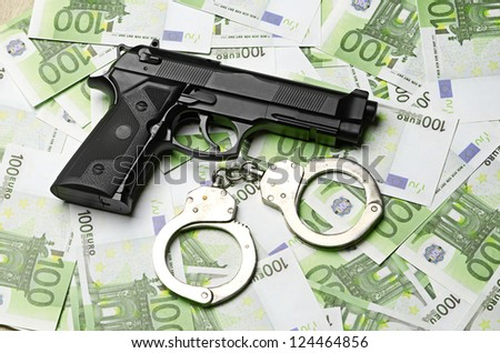 Image of the old gun and money