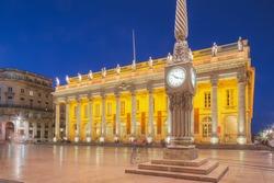 Impressive 18th century architecture of the Grand Theatre de Bordeaux at Place de la Comedie at night in Bordeaux, France