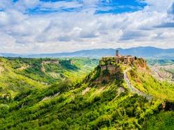 Impressive view of Civita di Bagnoregio, ghost mediaeval town built above a plateau of friable vulcanic tuff, Lazio, central Italy