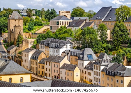 In the fortified lower town, the district of Grund cultural and architectural heritage, is one of the most beautiful and authentic districts of Luxembourg.