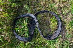 in the green hall dropped an old car tire residue that met in the shape of an octave