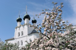 In the spring garden of Rostov the Great