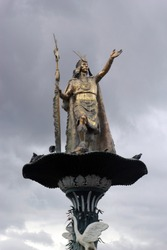 Inca statue, central square of the city of Cusco.