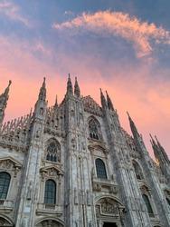 Incredibile sky over Milano's Duomo cathedral