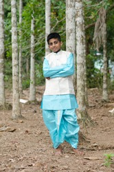 indian boy with dhoti kurta & mysore turban