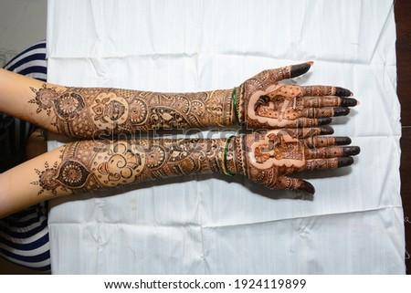 Indian Hindu Shadi\Shaadi(wedding) Bridal Mehendi(Henna Designs on arms)  Stock photo ©