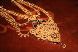 Indian Jewellery, royal, fashion, wedding with gold and diamonds