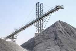Industrial backyard facilities | Aggregate plants heavy equipment conveyors crushers and screeners
