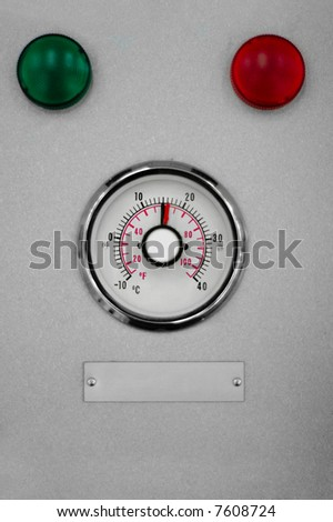 industrial temperature meter with green and red indicators above