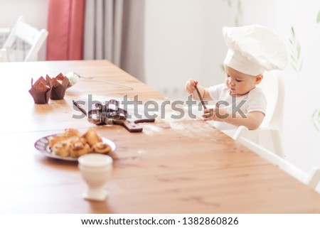 e9e0deab7 A cute baby portrait on a white wearing hat Free Images and Photos ...
