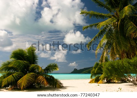 Infinity tropical beach on Maupiti, French Polynesia, Society Islands