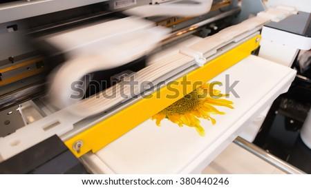 Innovation printing. Shirt printing machine. Shirt printer. Fabric printing machine. Printing design shirt. Textile printer machine. Shirt business. Innovation machine. Motion printing. Cloth printer