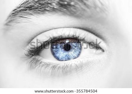 insightful look blue eyes boy Foto stock ©
