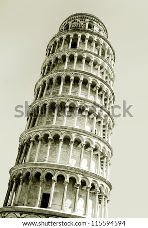 Interesting photo of the leaning tower of Pisa
