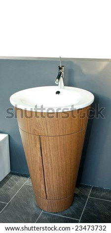 Interesting shape of self standing wash basin