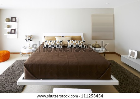 Interior design: Modern Bedroom