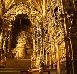interior od baroque Santa Clara church, Portugal
