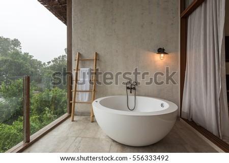 Interior of outdoor jacuzzi bath tub Foto d'archivio ©