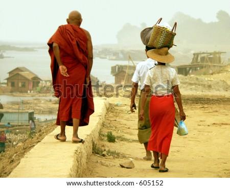 Irrawaddy Wall Walk, Road-to-Mandalay, Myanmar (Burma)
