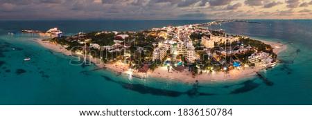 isla mujeres island near Cancun Mexico blue hour Foto stock ©