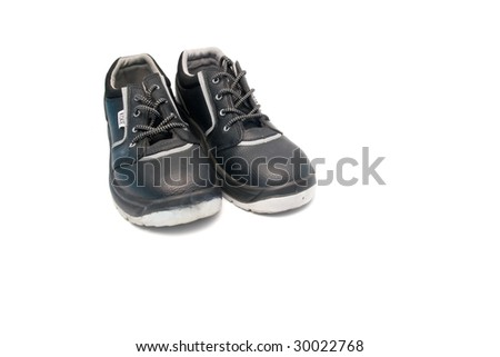 Isolated safety shoes for workers