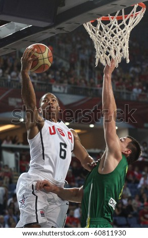 ISTANBUL - SEPTEMBER 11: Team USA Derrik Rose drives to the basket in FIBA World Championship game between USA and Lithuania on September 11, 2010 in Istanbul