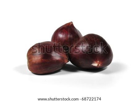 it photographs of first plane of three chestnuts with white bottom