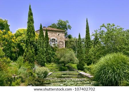 Italian garden in the french countryside near Bordeaux