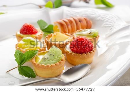 italian pastry fruits