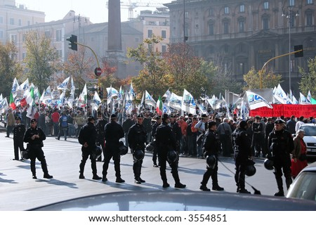 Italian protest to unfair labor laws