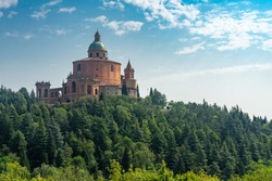 Italy Bologna Florence on foot , walk of Dei trekking on the Tuscan-Emilian Apennines