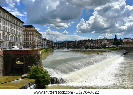 Italy. Florence. Arno river.