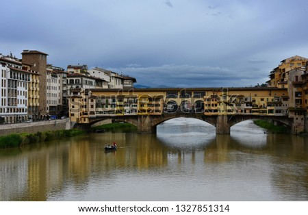 Italy. Florence. Arno river view.