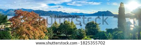 Italy, Piemonte, verbano-cusio-ossola province. Lago Maggiore, Baveno: panoramic landscape on the lake and the borromean islands at early morning Foto stock ©
