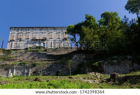 Italy, Polcenigo Castle dominates the ancient town from above Stock fotó ©