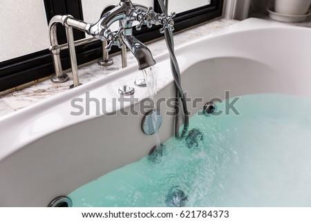 jacuzzi bath tub with water Foto d'archivio ©