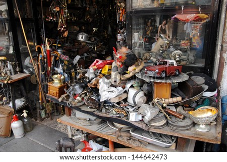 JAFFA, ISR - JULY 23:Old items at Jaffa old Flea Market on July 23 2007.It\'s an open air market throughout the year,a magnet for visitors, tourists and lovers of bargains and second hand items