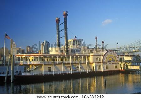 JANUARY 2005 - 'Spirit of America' River boat on the Ohio River in Cincinnati, OH