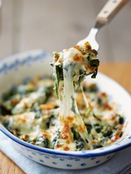 JAPANESE CREAMY SPINACH GRATIN AND CHEESE