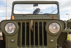 Jeep Willys military car front zone -  Zona delantera de coche militar Jeep  Willys