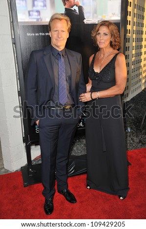 "Jeff Daniels & wife at the Los Angeles premiere for HBO's new series ""The Newsroom"" at the Cinerama Dome, Hollywood. June 21, 2012  Los Angeles, CA Picture: Paul Smith / Featureflash"